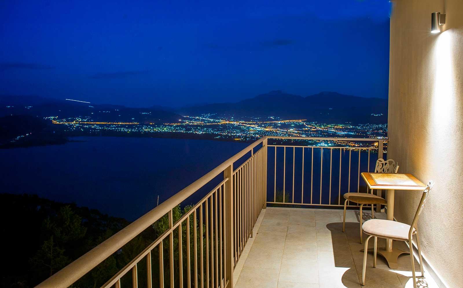 Красивые картинки ночной город вид с балкона